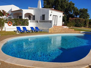 Rosa dos Ventos villa, 3 bedrooms, private swimming pool, quiet area