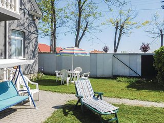 Awesome apartment in Kapolnasnyek w/ WiFi, 4 Bedrooms and Outdoor swimming po