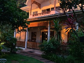SunGlow Holiday Villa - The 'Beau Vallon family Jewel'