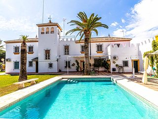 Typical Sevillian Hacienda in Marchena. Ideal location to visit all of Andalusia