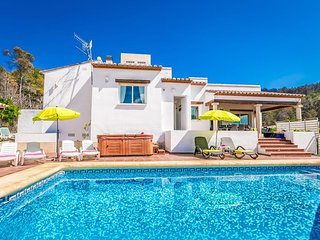 Peaceful 4 Bedroom Villa situated just a few minutes drive from Javea Beach