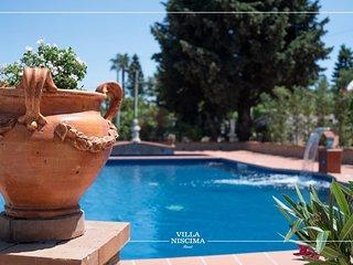 Villa Niscima  si trova a 30 minuti da Agrigento e 40 dalla scala dei turchi
