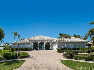 SALVADORE COURT - on Robert's Bay Marco Island