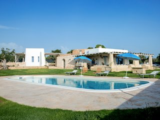 4 bedroom Villa with Pool, Air Con and WiFi - 5807023