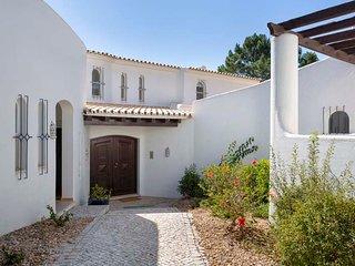 Quinta do Lago Villa Sleeps 12 with Pool Air Con and WiFi - 5807083