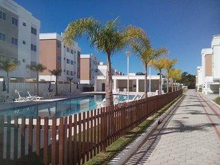 Canasvieiras Apartamento com piscina, wifi, garagem coberto, e segurança.