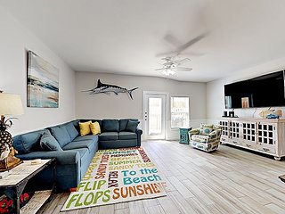 BC502 Beachside Bungalo; All New Townhouse, Pool with WaterSlide, Sleeps 10