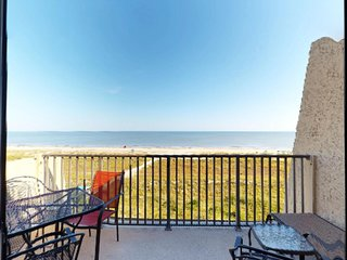 Waterfront, oceanview condo with shared tennis, pools, hot tub, & beaches
