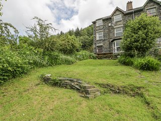 2 IS Y GRAIG, first and second floor apartment, WiFi, shared garden