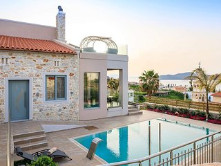 Kleanthi Luxury Villa, 400m From Stalos Sandy Beach Chania