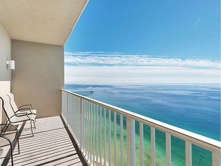 Coastal Tides 1 BR 2BA Beachfront Condo Sleeps 6 with Bunks. West End Pier Park.