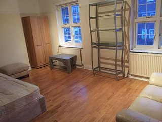 STUDIO FLAT IN BRIXTON CLOSE TO TUBE/HIGH ST