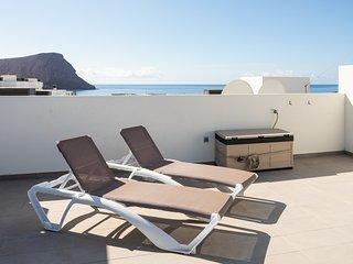 Atico con terraza solarium en La Tejita