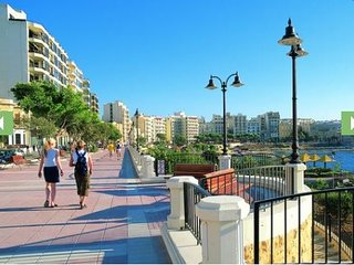 Sliema central apartment close to surfside beach