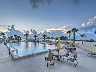 NEW! Gulf-View Hudson Condo in Beachfront Resort!