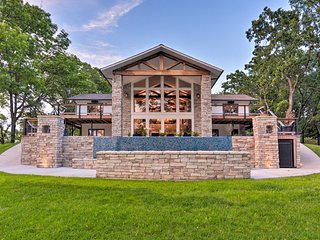 NEW-Luxury Home on Grand Lake w/Dock+Infinity Pool