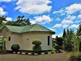 Furaha Lodge Deluxe Queen Room 5