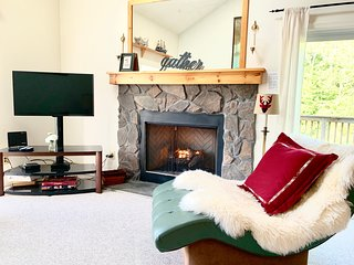 Cozy Hunter Mountain Townhouse
