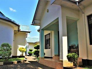 Furaha Lodge Budget Twin Room 1