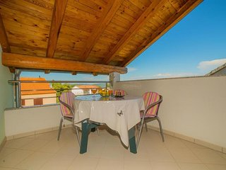 Pakostane Apartment Sleeps 4 with Pool Air Con and WiFi - 5807287