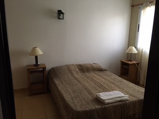 Dos habitaciones con bano privado en hospedaje de campo