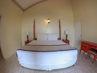 Budget Comfort Suite 7 At  Grandiosa Sleeps 2
