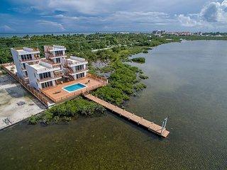 C3 - Beautiful 360 Views, Lagoon side, Communal pool