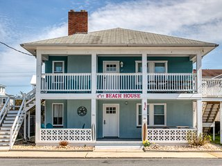 Entire four unit building w/ furnished decks & balconies - close to the beach!