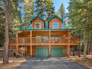 Cabin w/ a pool table, shared pool & spa, near skiing & hiking & dog-friendly!