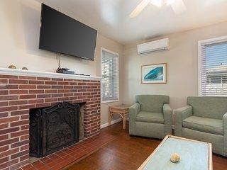 Newly-renovated, family-friendly beach condo w/ a furnished balcony