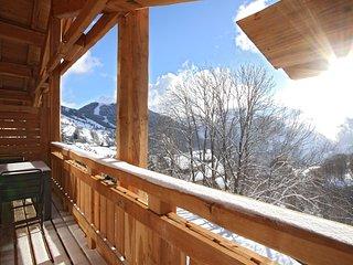 BAIN À REMOUS PRIVÉ ! Chalet au coeur du Village, Casiers à ski