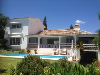 4 BED 4.5 BATH VILLA WITH LARGE GARDEN & POOL IN EL PARAISO ALTO, BENAHAVIS