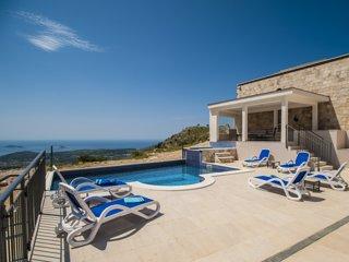 Luxury Villa Leni