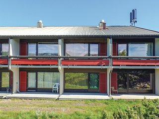 Nice apartment in Hovden I Setesdal w/ 3 Bedrooms (N35269)