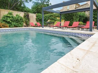 Stunning home in Flaux w/ Outdoor swimming pool, WiFi and Outdoor swimming pool