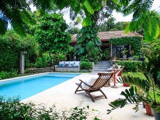 La Pergola, Unique Traditional Villa With Pool
