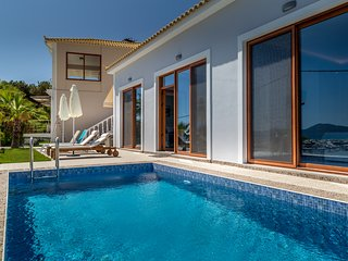 Agios Sostis Villa - 2 bedroom beachfront villa with private swimming pool.