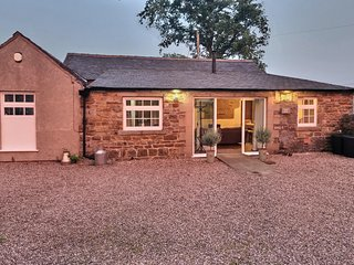 Foggs' Barn, Fenns farm accommodation, Peak District, Manifold Valley