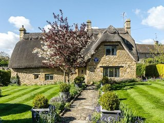 Newly available! Idyllic thatched cottage in the heart of Chipping Campden