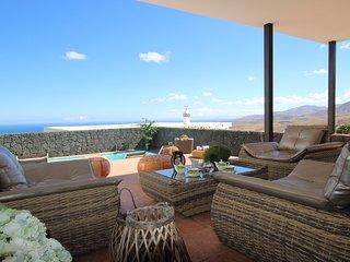 Villa con piscina privada climatizada y fantasticas vistas