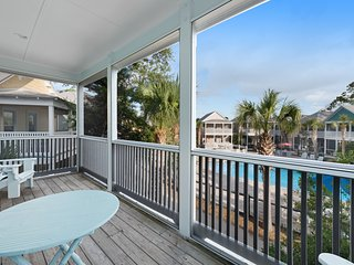 Family-friendly home w/ shared hot tub - beach access 1 mile away!
