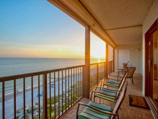 Panoramic Ocean Views from Private Balcony! Steps to Sand, Shops & Dining, Heate