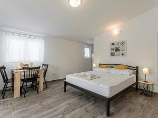 Seaview apartment DAMA A4