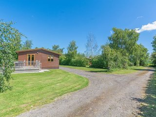 Lodge and Hot Tub, York, Yorkshire, Sleeps 6, Family Friendly peaceful location.
