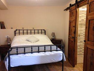 Casa Lascorz - 'Samitier' - double room & balcony