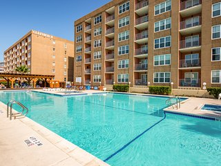 NEW LISTING! Pool-view condo w/ shared hot tub, pool, picnic areas - near ocean