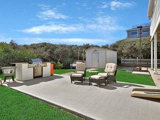 Stunning & spacious dog-friendly home w/ ocean views - steps from the beach!