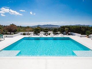 Playa d'en Bossa Villa Sleeps 12 with Pool and Air Con - 5807225