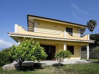 Villa Giulia con incantevole panorama su stromboli, tropea  e lamezia terme