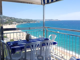 RENT AN AMAZING APARTMENT FIRST SIDE SEA IN PLAYA DE ARO
